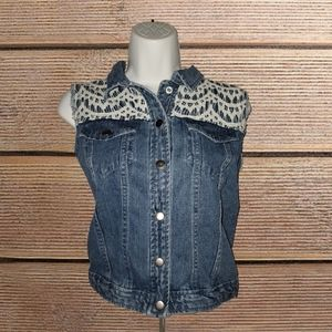 NWOT! NEW DIRECTIONS LACE DENIM VEST